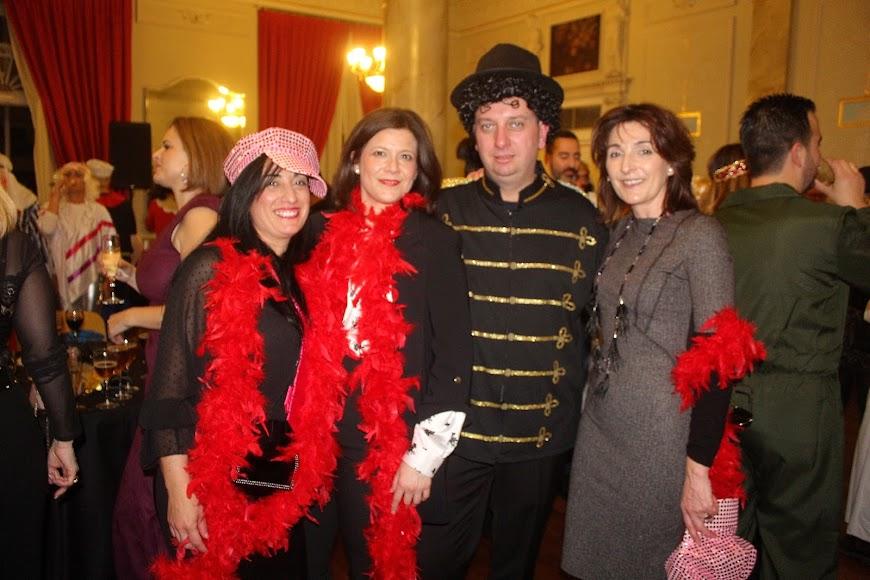 Cena-baile de Carnaval que acogió el salón noble del Círculo.