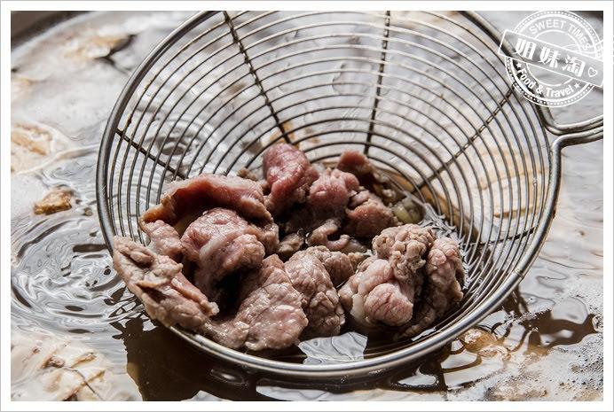 冠月明土雞城涮羊肉