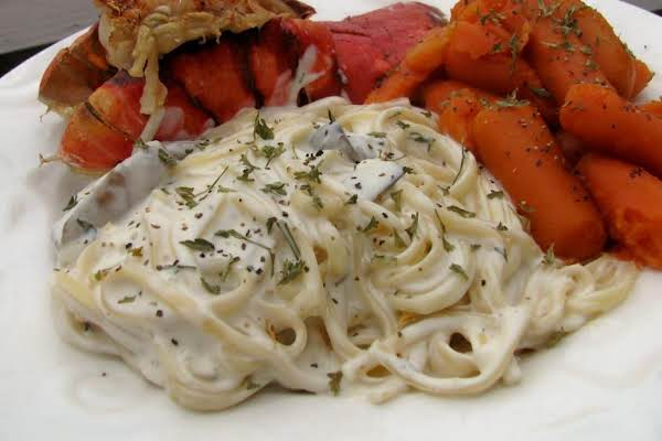 Linguine With Mushrooms And Garlic Cream Sauce Recipe