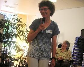 Photo: Die Chefin für Kulturelle Anlässe Frau Vreni Müller ist sichtlich zufrieden mit unserem Konzert und verdankt unser Engagement