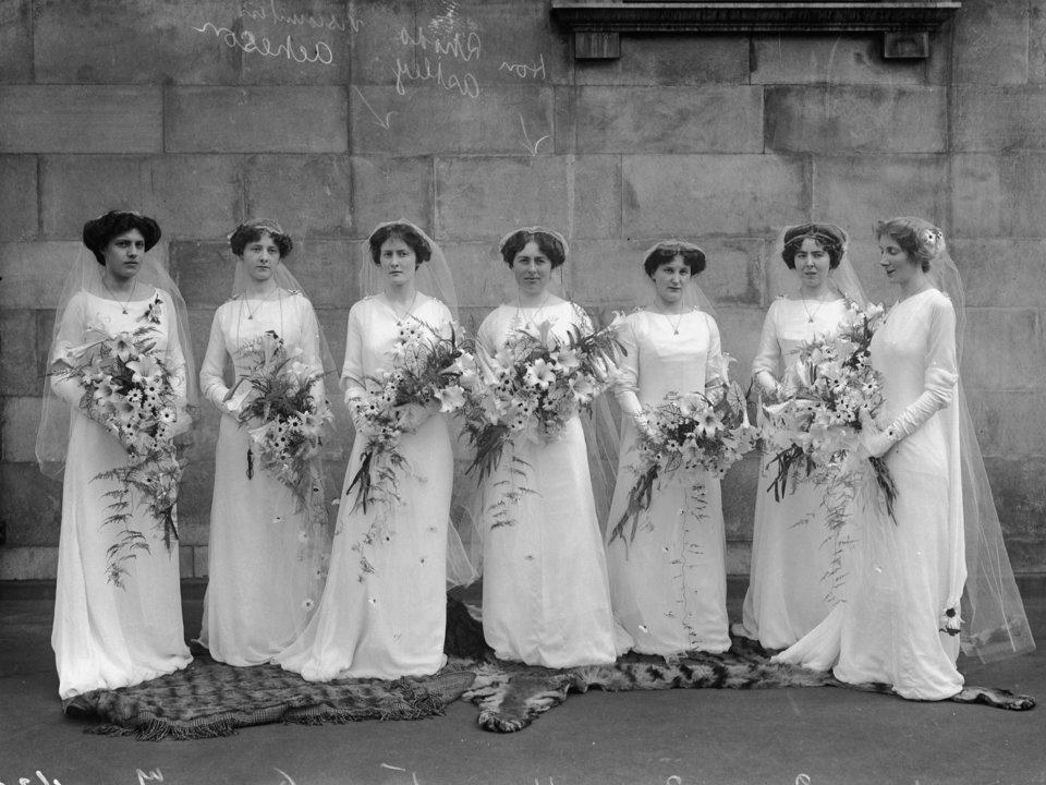 Sisi Kelam dari Tradisi Pernikahan Ini Bikin Agan Cuman Mau Nikah di KUA Saja