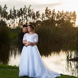 Sunset romance by Jaycee Reynolds - Wedding Bride & Groom ( bride, wedding photography, wedding photographer, sunset, wedding, portrait,  )