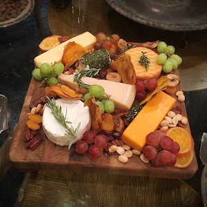 rb-Cheese and Fruit Appetizer Platter Offered at Thanksgiving Dinner-2016.jpg