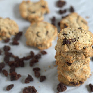 Grain-Free Cinnamon Raisin Paleo Breakfast Cookies - paleo, vegan, low carb option.