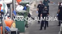 Imagen de la semana pasada de inmigrantes llegados al CATE del puerto.