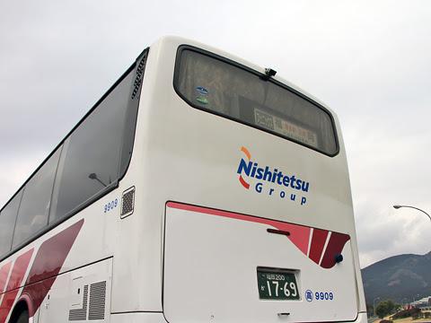 西鉄高速バス「フェニックス号」 9909 えびのPAにて_04