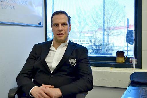 Ville Nieminen odottaa Pasi Nurmisen kanssa happirikasta ja värikästä yhteistyötä.