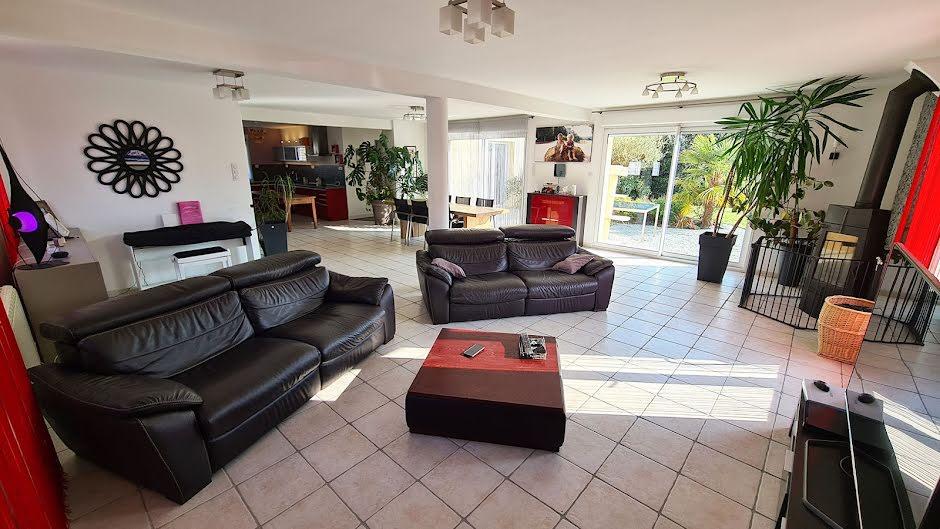 Vente maison 8 pièces 233 m² à Acqueville (50440), 399 000 €