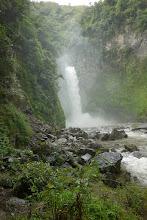 Photo: La cascade de Batad, y parvenir est un petit add-on à l'enfer de la route pour monter jusqu'à la ville. (Pour ne rien gâcher, il pleuvait comme vache qui pisse)