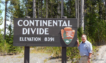 Photo: Continental Divide sign in Yellowstone