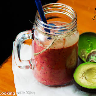 Avocado, Banana & Berry Smoothie For a Better Health.