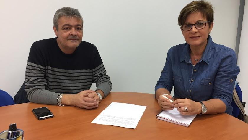 Reunión entre Adriana Valverde, portavoz socialista, y Antonio Mullor, representante.