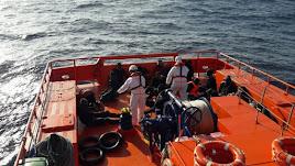 Rescate de inmigrantes por parte de la Salvamar Polimnia.
