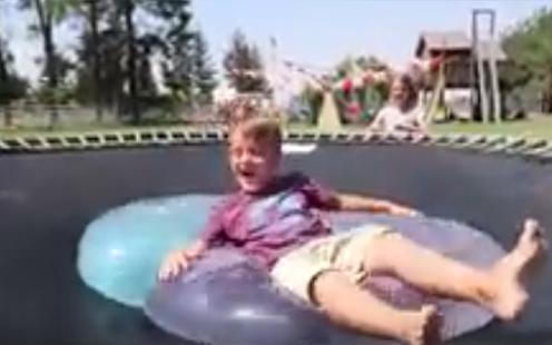 Experiment of wubble bubble Challenge - náhled