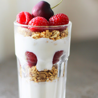 Fresh Fruit and Yogurt Parfaits