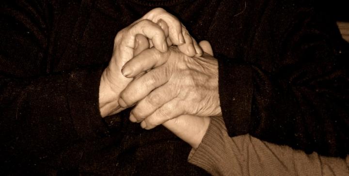 Il tatto. Nelle mani di nonna... di DANYELA79