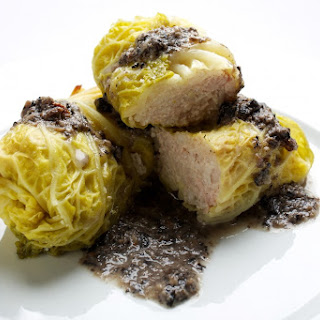 Stuffed Cabbage Rolls With Mushroom Sauce (Golabki z Sosem Grzybowym).
