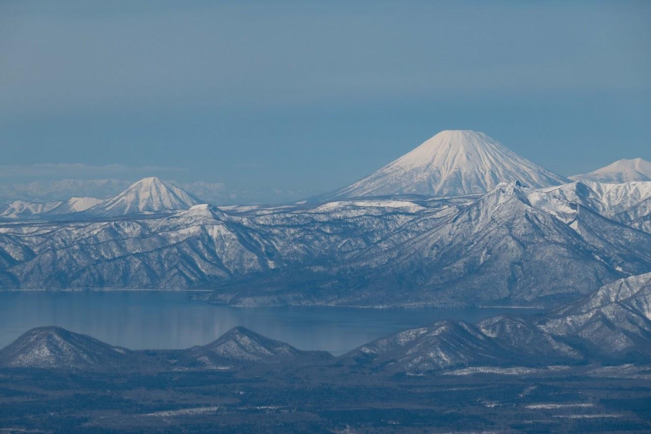 Shiribetsu and Yotei behind Lake Shikotsu on my flight out of Sapporo
