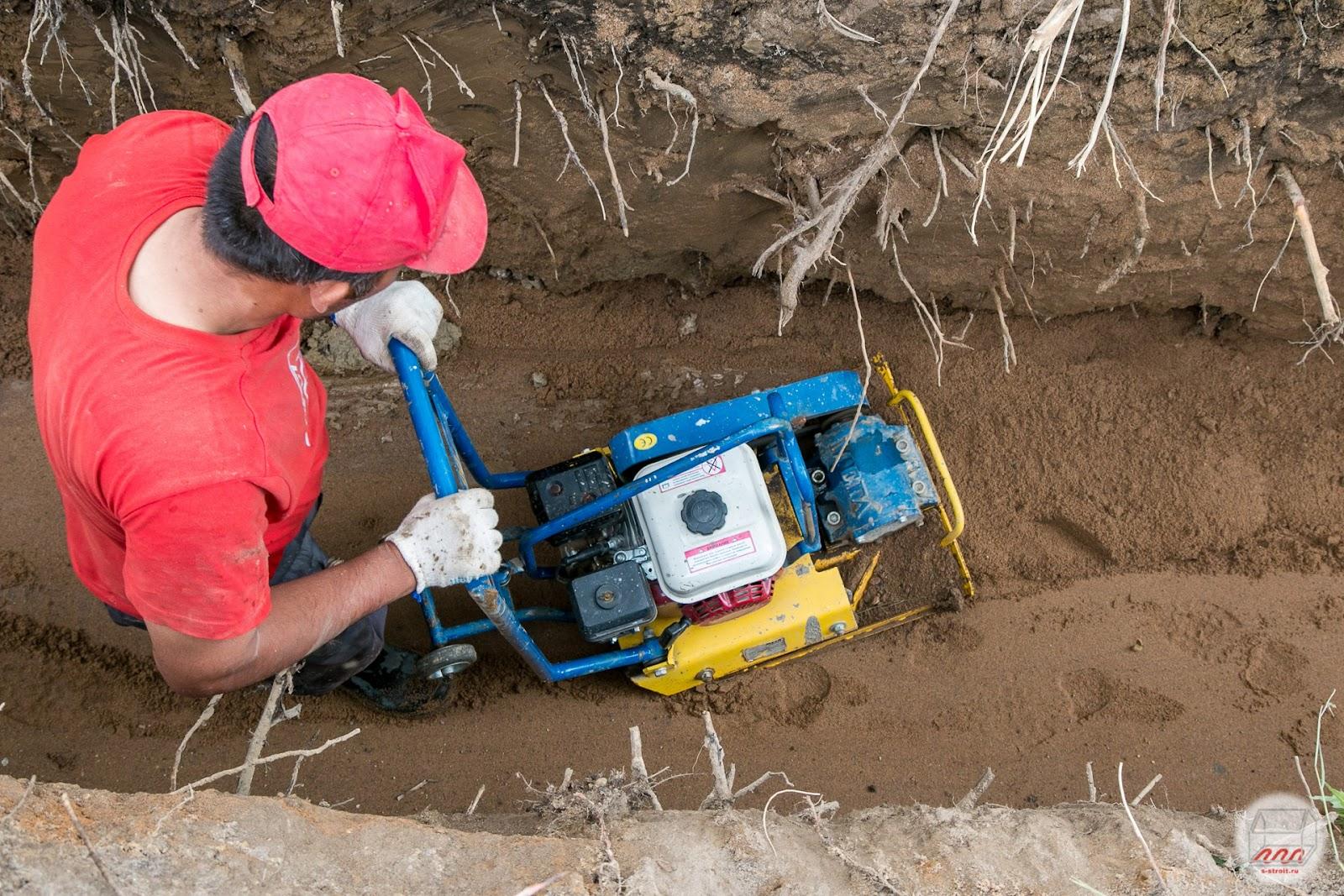 пески крупные плотные и средней плотности