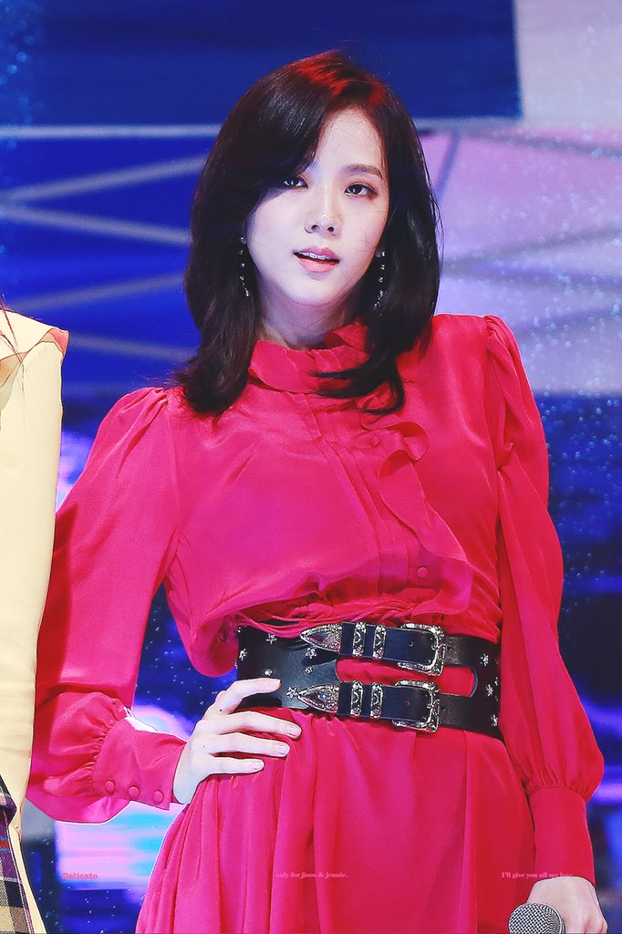 jisoo red 9