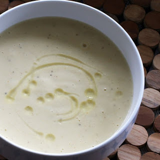 Slow Cooker Cauliflower and Cheese Soup Recipe
