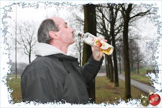 Photo: De Luc had nog wat appelsap mee van bij den Hans, en dat ging vlot naar binnen.