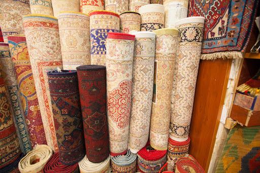 turkish-carpets-istanbul.jpg - An assortment of Turkish carpets with intricate patterns at the Grand Bazaar in Istanbul.