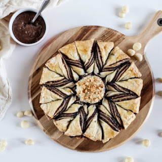 Chocolate and Macadamia Star Pastry