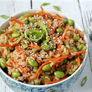 Brown Rice Edamame Salad With Carrots.