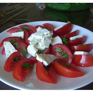 Tomato, Basil, Mozzerella Salad With Citrus Oil