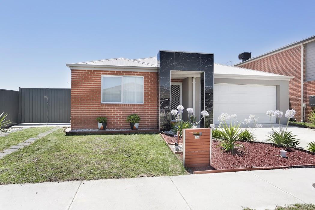 Main photo of property at 16 Pettigrew Street, Cranbourne East 3977