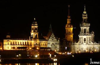 Photo: Dresden, Elbufer mit Schloss und Hofkirche bei Nacht