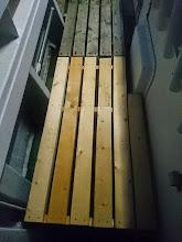 Photo: 「ドテラ流し」の時、ちょっと長さが足りなかった「スノコ」作りました! これで等間隔で横一列に並んで、シャクれます!