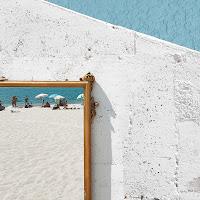 La spiaggia nello specchio di