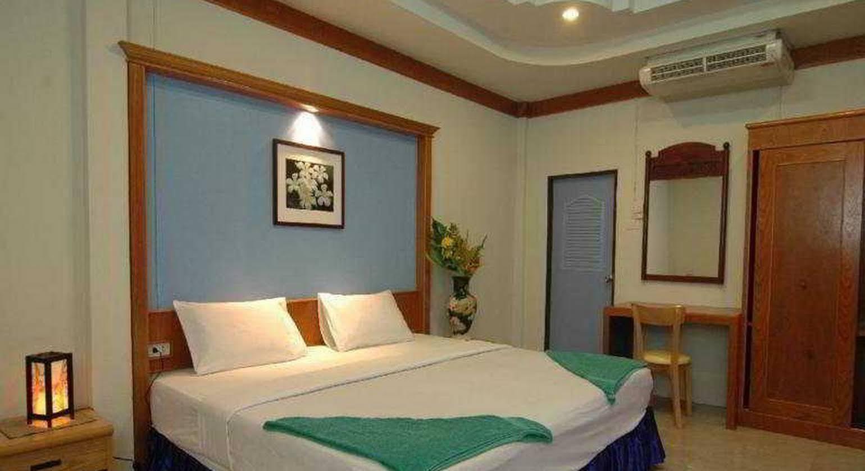 Lanta Nice Beach Resort