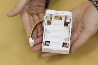 Photo: このように電極のプラス側とマイナス側が交互に並ぶようになります。