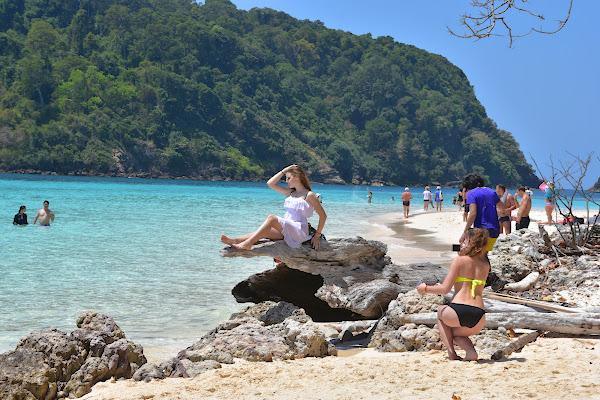 Walk along the beach of Koh Rok Nai