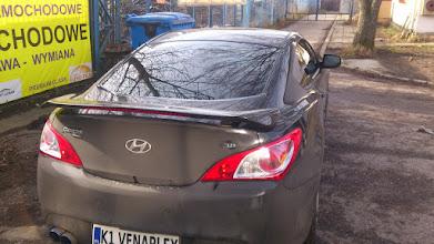Photo: Hyundai Genesis Coupe przyciemnianie szyb kraków folia jasno ciemna ,foliowanie szyb , oklejanie szyb ,zmiana koloru auta kraków venaplex.