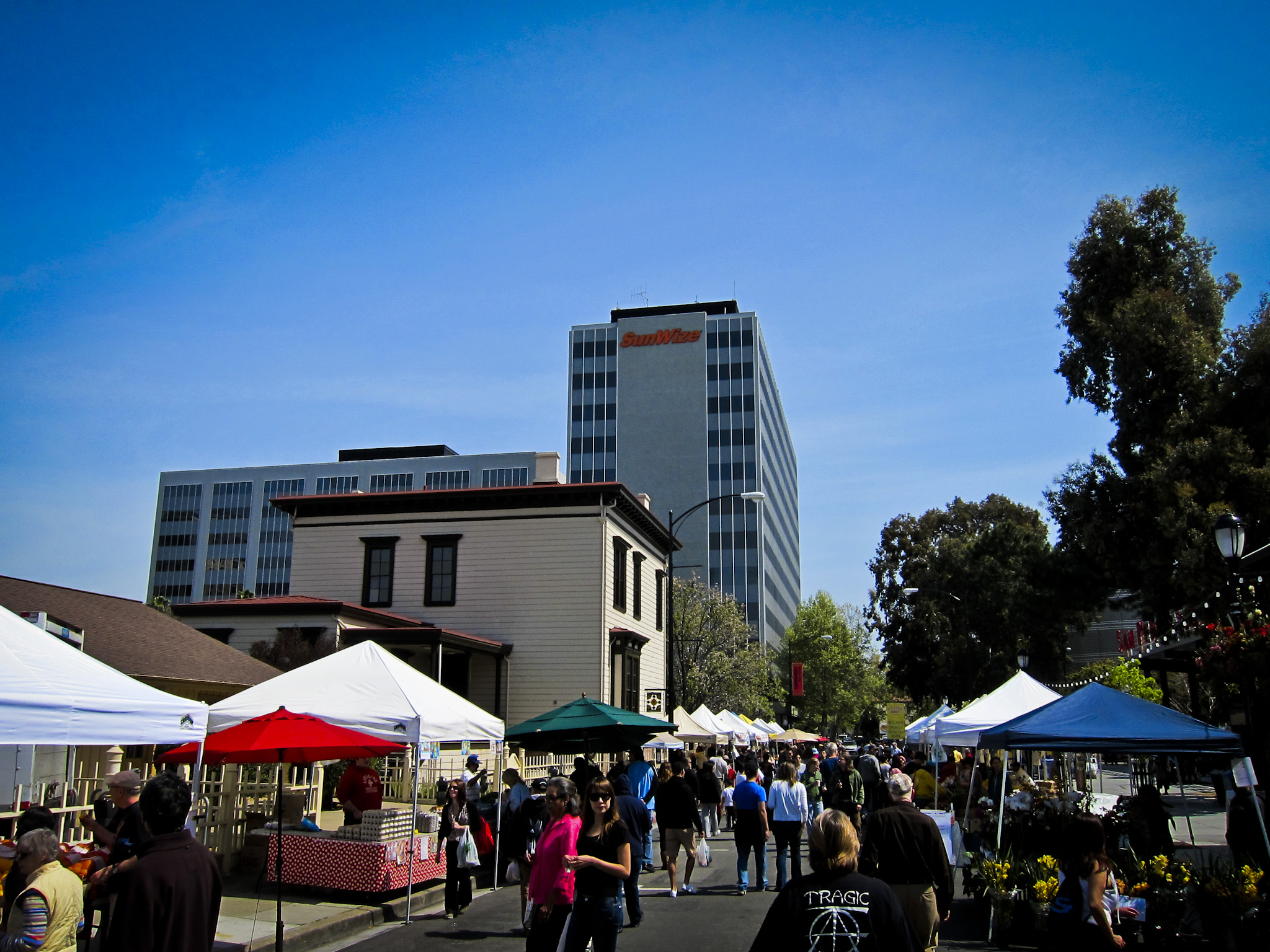 Photo: San Pedro Square Market-Great family dining and entertainment in downtown San Jose.Unique restaurants,farmers market and live music.Catch Enjoy lunch or brunch in the Plaza of the Peralta Adobe. Experience the Farmer's market every Saturday.San Pedro Square Market is a fun place to spend time with family and friends.
