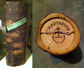 Photo: Un conditionnement peu commun...  Dans cette bûche se trouve une bouteille ! (merci à Manu)
