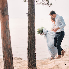 Wedding photographer Maksim Lisovoy (Lisovoi). Photo of 01.09.2015