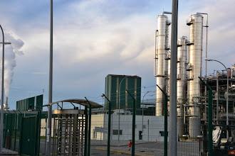 Photo: 1- L'usine vue de l'extérieur