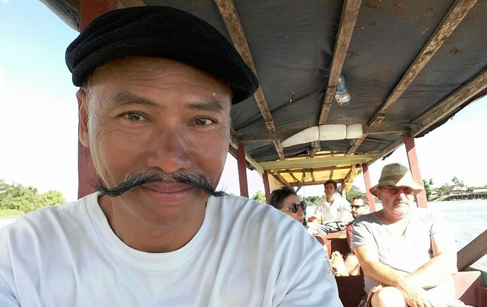 Lênh đênh trên sông Mekong , vùng Si Phan Don .