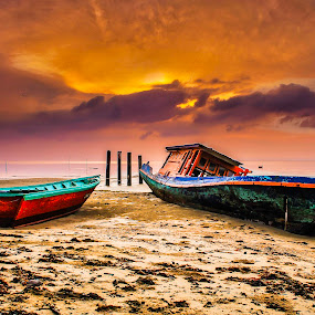 Sunrise Hunters by Daimasala Abdullah - Landscapes Sunsets & Sunrises ( sunrise )
