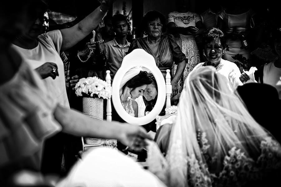 Wedding photographer Marius Marcoci (mariusmarcoci). Photo of 11.07.2017