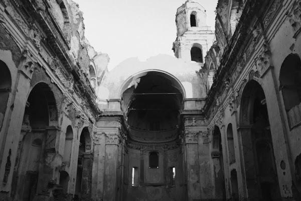 Resti di una chiesa di Claudio Mandica