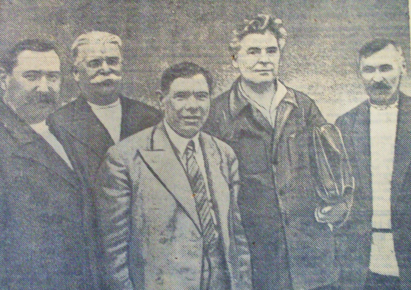 Іван Каляєв у центрі, серед харківських делегатів ХІІІ з'їзду КП(б)У. Травень 1937-го