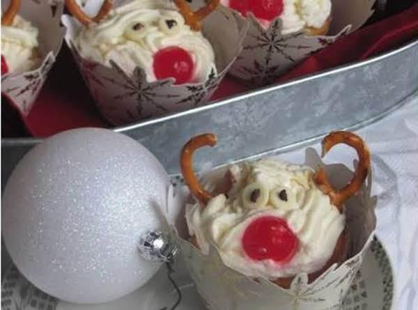 Snickerdoole Cupcakes - Rudolph