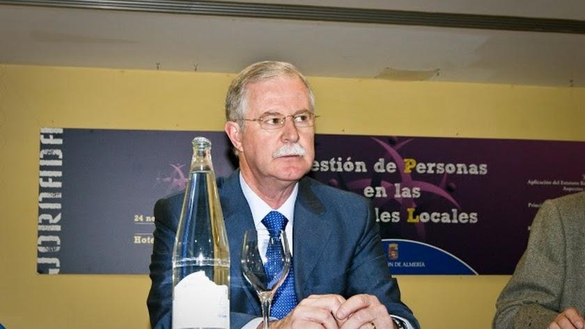 El alcalde de Lucainena de las Torres, Juan Herrera.