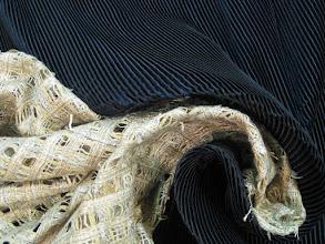 Photo: Ткань: плательная, ш. 140 см., цена 5000р. Ткань: шанель, ш. 140 см., цена 8000р.
